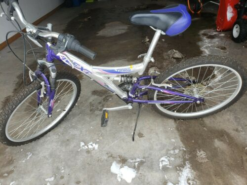 Next Tiara Pro Girls Bike perfect condition