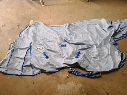 Brand new caribu 6 0 horse rug 200g fill  977e3d0351075