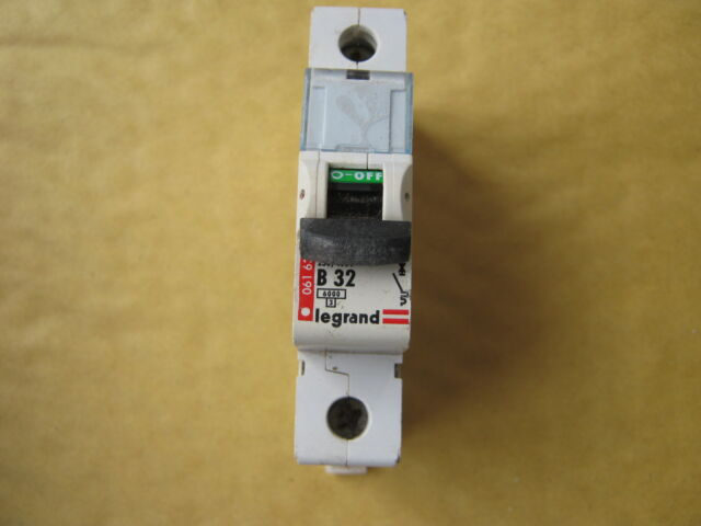 LEGRAND TENBY B32 32 AMP 06163  6KA SINGLE POLE MCB CIRCUIT BREAKER