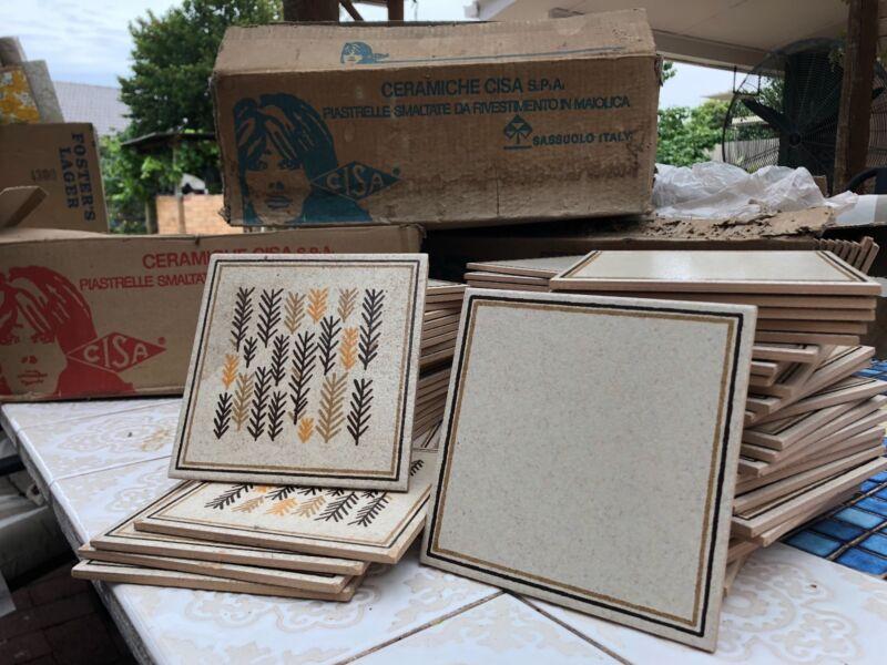 Vintage retro ceramic tiles. 166 tiles 150 x 150mm 4 decorativ