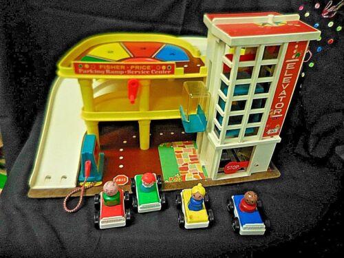 Vintage Fisher Price Little People Service Center Garage 930, cars, people vvwb