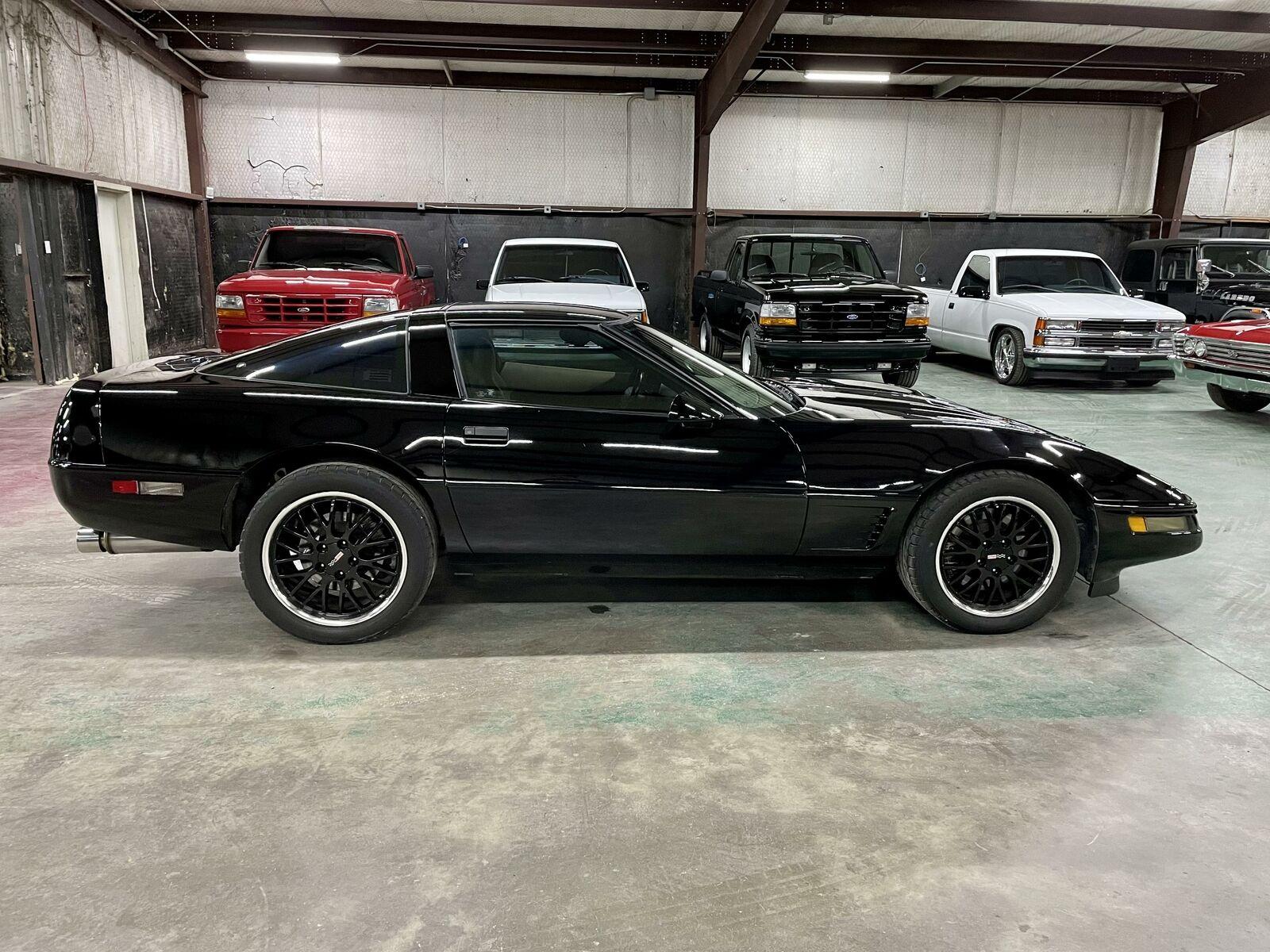 1996 Black Chevrolet Corvette     C4 Corvette Photo 6