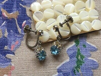 Vintage 50's tiny drop screw-on earrings, blue rhinestone and leaf diamante