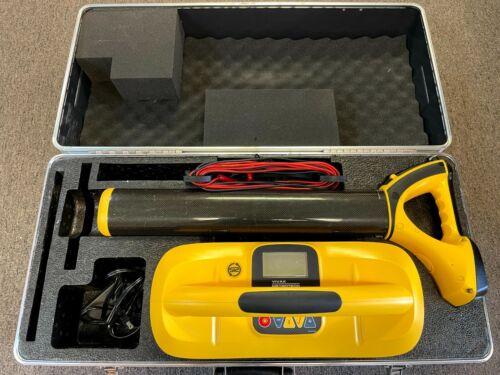 Vivax Metrotech vLoc 5000 Cable, Pipe, Utility Locator Kit