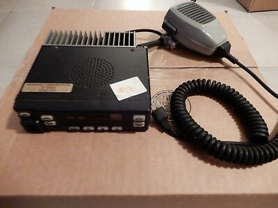 Kenwood Tk-862g Uhf 25 Watt Mobile Radio W Mic