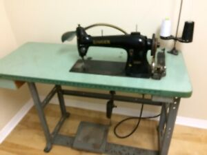 Singer sewing machine machine a coudre