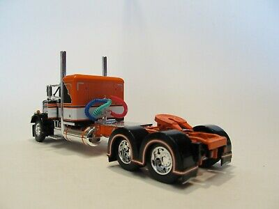 DCP FIRST GEAR 1/64 SCALE 359 PETERBILT SMALL BUNK, BLACK, ORANGE & WHITE 4