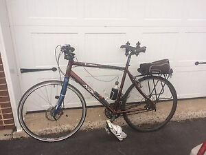 """Norco VFR X2 22"""" Frame lots of extras!"""