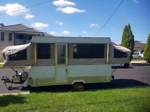 Wind up caravan