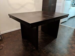 Dining table extendable (solid hard wood)