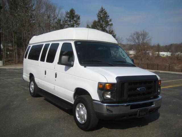 Image 1 of Ford: E-Series Van E-350…