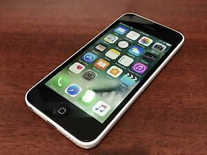 Apple iPhone 5C - Bell / Virgin - Pristine Condition
