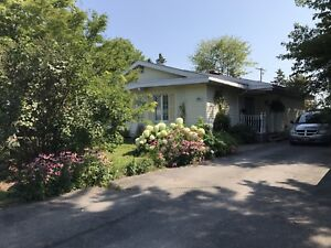 86 PAGEANT - $229900 Beautiful home, great lot!