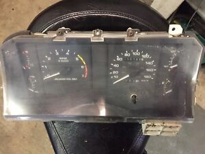 87 FORD MUSTANG GT INSTRUMENT CLUSTER
