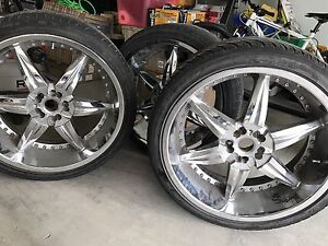 Tires with rims 265/35/R22