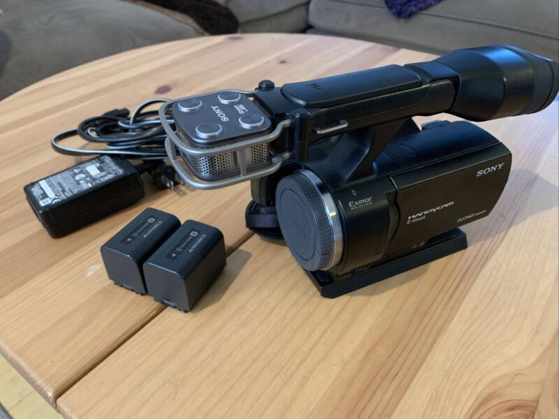 Sony NEX-VG30 Camcorder / Sony E MOUNT