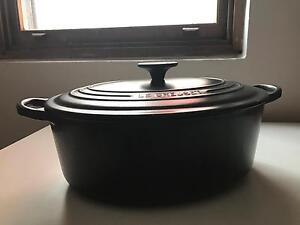 Le Creuset charcoal grey 4.7 litre oval casserole pot Clovelly Eastern Suburbs Preview