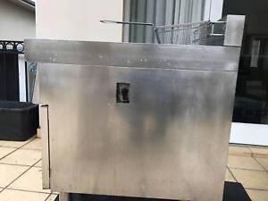 Deep fryer in good condition