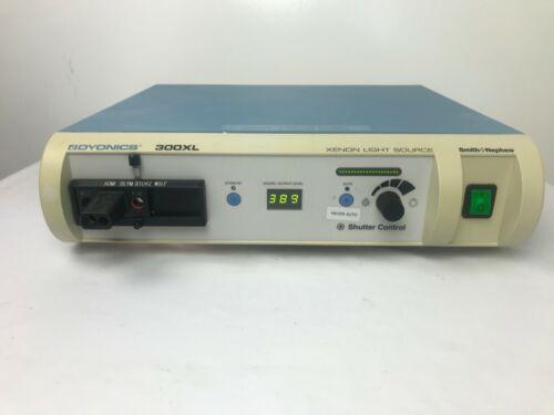 Dyonics Smith & Nephew 300XL Xenon Light Source
