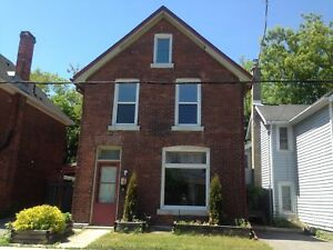 CHARMING 3 BD IN DOWNTOWN KINGSTON! 174 Montreal St