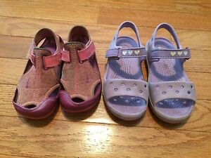 Toddler size 9 sandals