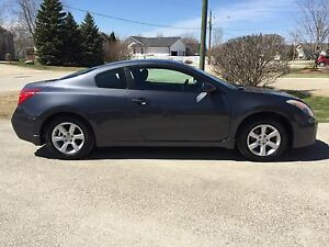 2008 Nissan Altima Coupe!! Great condition! Don't miss out!
