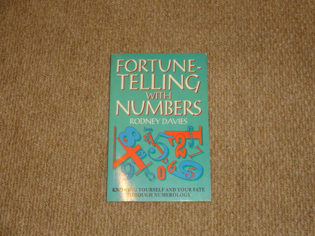 FORTUNE TELLING WITH NUMBERS - RODNEY DAVIES. Paperback