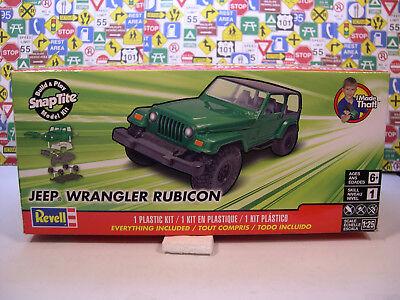 GREEN JEEP WRANGLER RUBICON REVELL 1:25 SCALE NO GLUE SNAP TITE MODEL CAR KIT (Jeep Wrangler Model Kit)