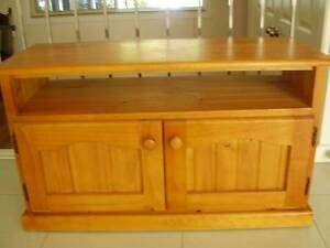 PINE TV UNIT Koolewong Gosford Area Preview