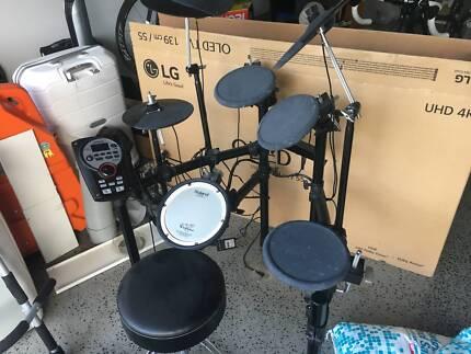 Roland TD11K Electronic Drum Kit Pedal Throne