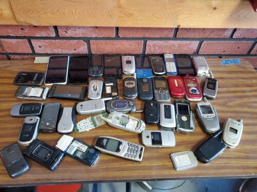LOT 30 =10 POUNDS FLIP SMART CELL PHONES SCRAP GOLD AS-IS PARTS REPAIR  VARIOUS