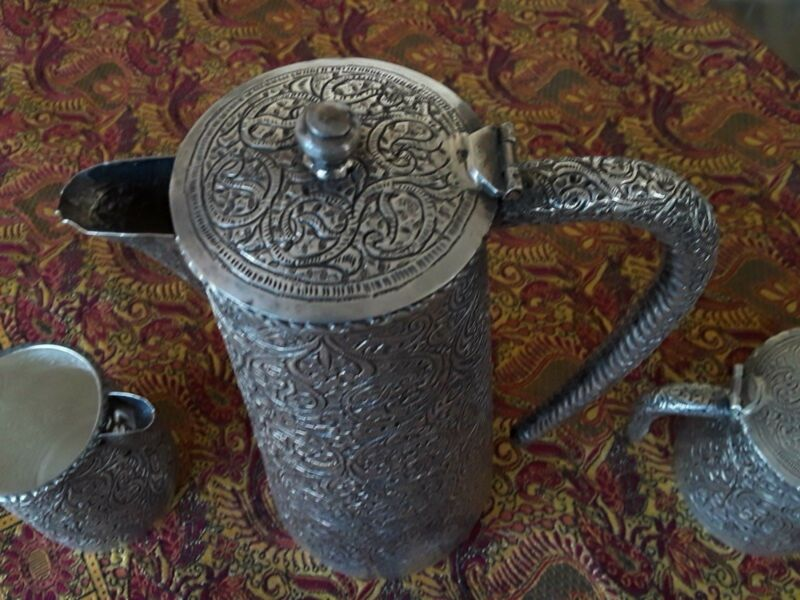 EXCEPTIONAL ANTIQUE HAND CHASED SOLID SILVER KASHMIR INDIA TEA SET PAISLEY DSGN