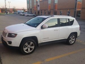 2016 Jeep Compass High Altitude AWD! White w/Tan Leather 36K km