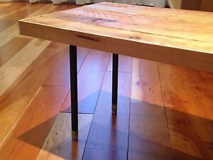 Table d'appoint en merisier / Side Table Cherry Wood