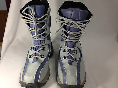 Bare Traps Tonya 10 inch Lightweight Violet and Gray Insulated Snow Boots Sz 10M 10 Inch Insulated Boot