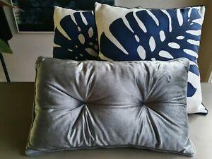 Cushions x3