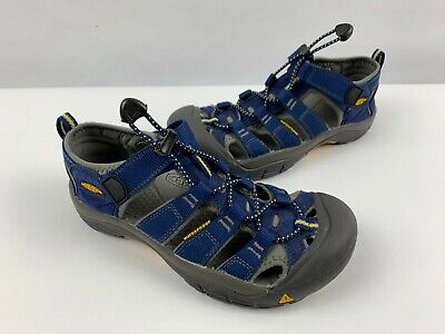 KEEN Newport H2 Sandals Big Kids Youth Size 4 Water Shoes Hiking Girls / Boys ()