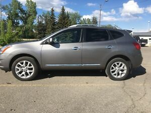 2012 Nissan Rogue SV AWD *low kms!*