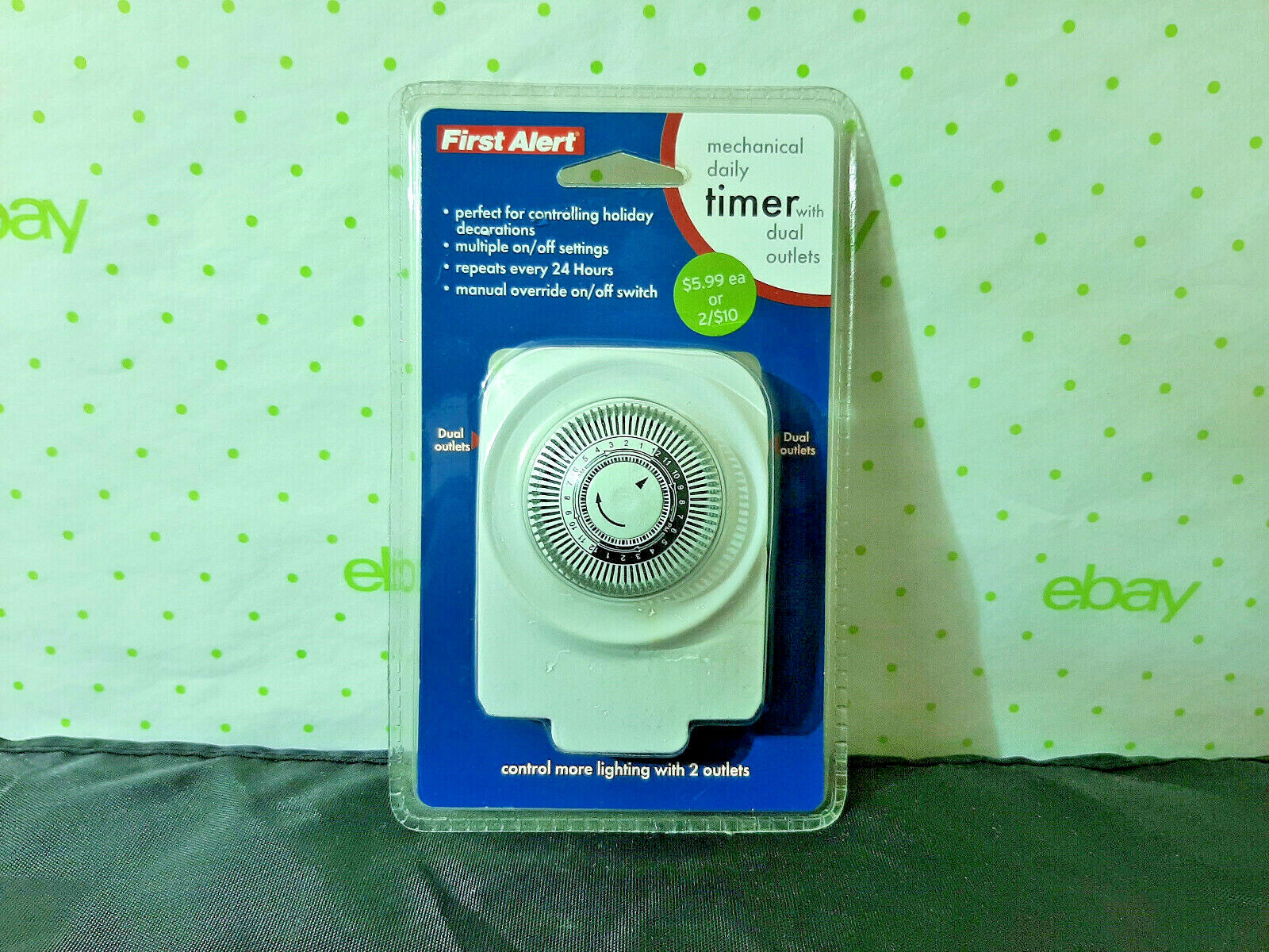 First Alert Mechanial Daily Timer With Two Outlets Light/Fan
