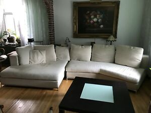 ***Beautiful Mariette Clermont Sectional couch***