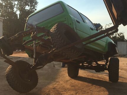 hilux CHASSIS ONLY lots of mods