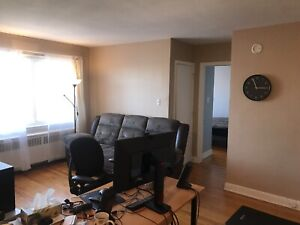 3 1/2 All/tout included, Point Claire ,West Island .$750