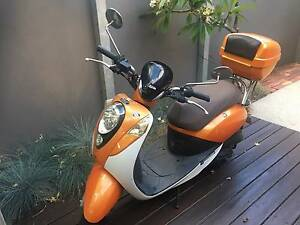 Scooter - Bolwell 50cc SYM Mio West Leederville Cambridge Area Preview