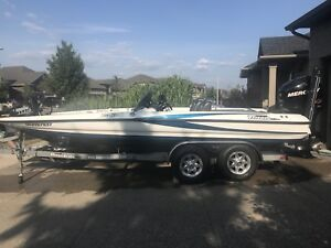 2009 Triton 20HP Bass Boat with 250 Merc Pro XS