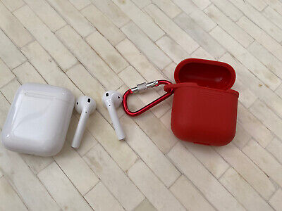 Apple Airpods 1st Generation with Charging Case (USED) Read Description