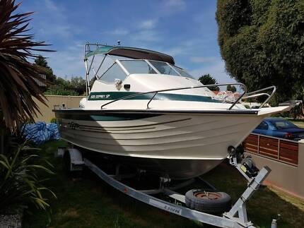 Savage Ospray 525 Boat