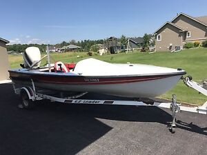 Hydrodyne Ski boat with 120hp Johnson
