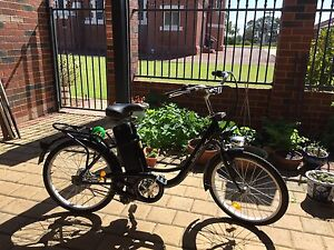 Electric bicycle - excellent condition Beaconsfield Fremantle Area Preview