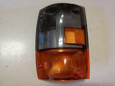ISUZU GENUINE COMPLETE FRONT/RIGHT TURN INDICATOR LIGHT LAMP 8-97855110-2 RH
