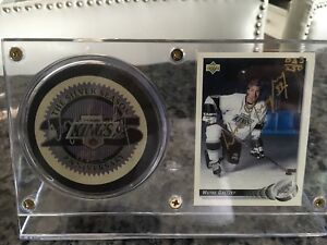 Gretzky Signed Hockey Cards and Puck